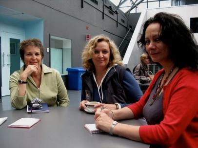 Hélène Prévost, réalistrice et artiste sonore, Chantal Dumas artiste sonore. Préparation d'un concert en 2011